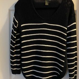Roomy, textured striped sweater with side detail